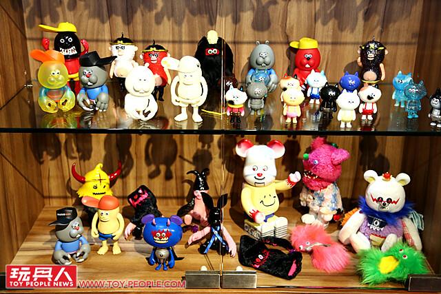 大量遠古怪獸出土!! T9G 超精彩藝術個展【ARTIFACTS - T9G Art Exhibition】at 香港Dot Dot Dot Gallery