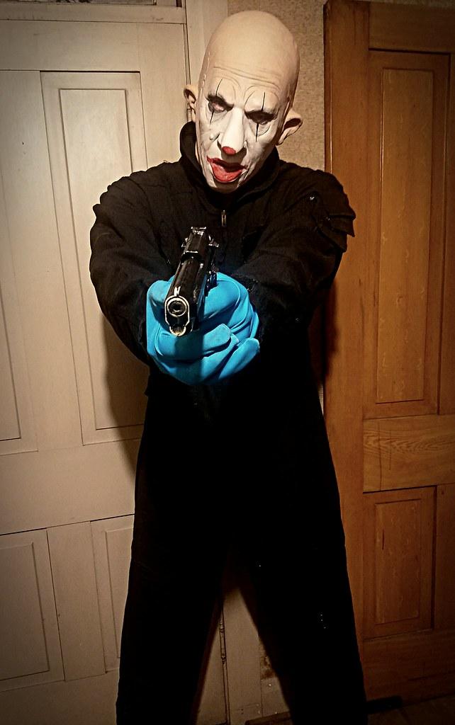 Thug On The Floor Now Face Down Mister Mystery Flickr