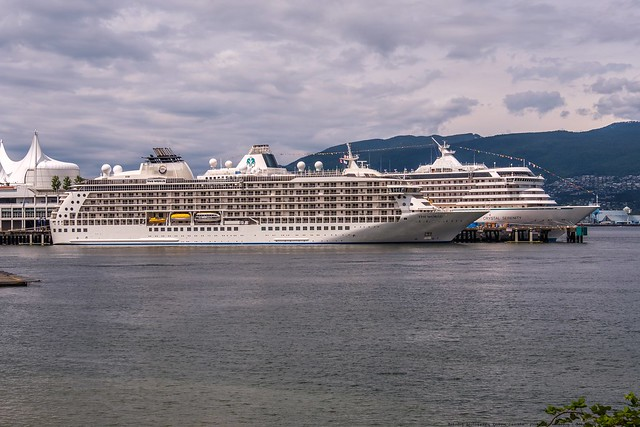 The World Crystal Serenity, Fujifilm X-T2, XF18-135mmF3.5-5.6R LM OIS WR