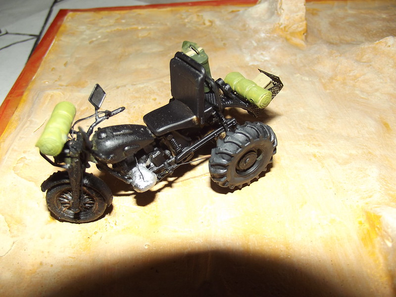Buggy post apocalypse - Hobbyboss 1/35 - Page 2 46078456602_755825108a_c