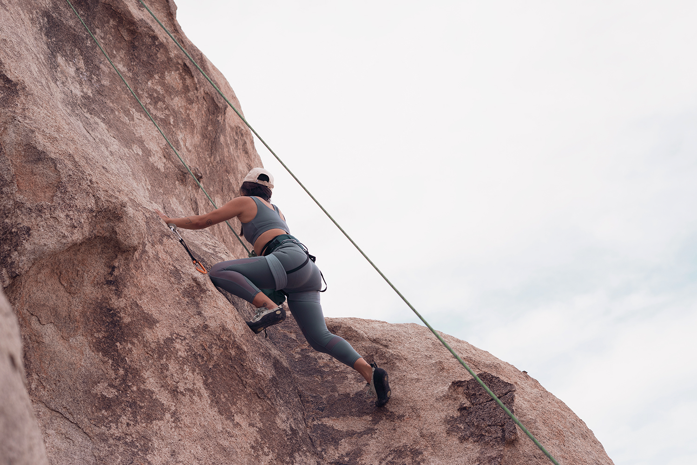 06rockclimbing-ropeclimbing-bouldering-joshuatree-fitness