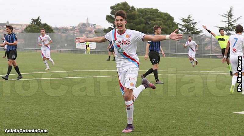L'esultanza Pecorino dopo un goal