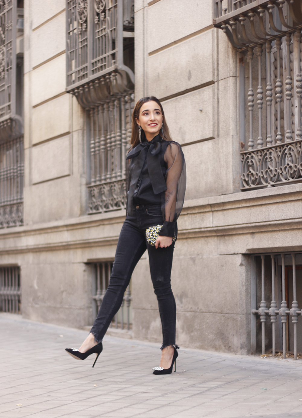 black shirt jeans christmas look fashion street style xmas 20188645
