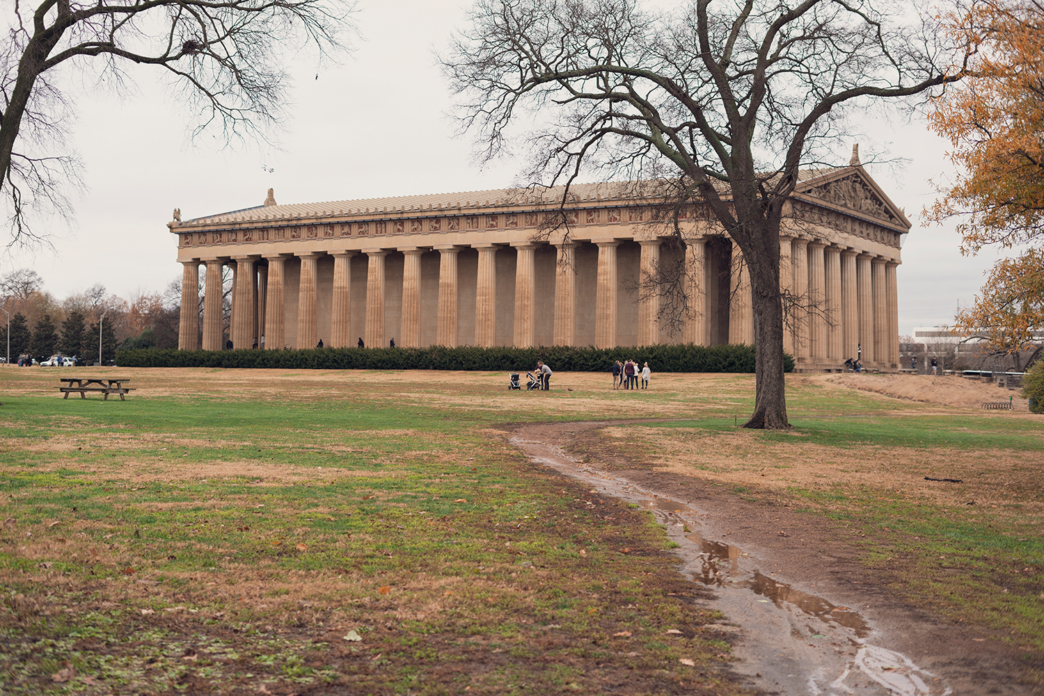 05nashville-fall-centennialpark-parthenon-travel