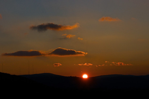 binhamton newyork susquehannarivervalley appalachianmountains winter evening eveninglight sunset settingsun