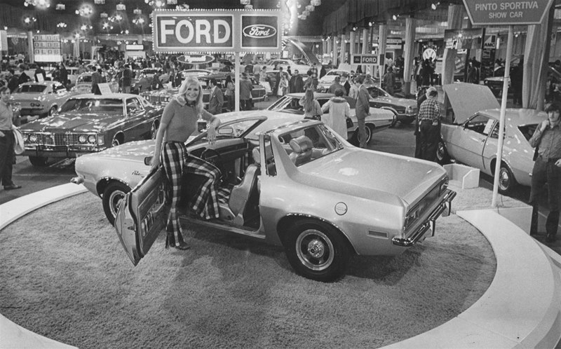 Indianapolis-Auto-Show-Old-Pictures-018