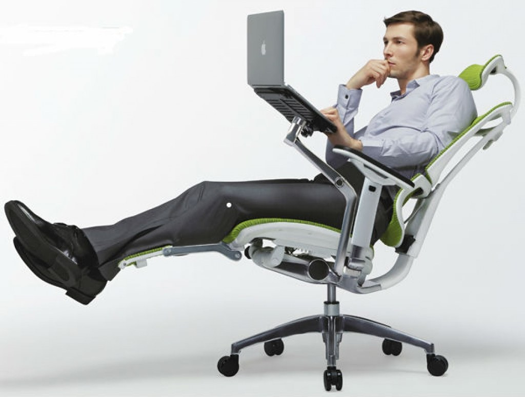 Reasons Why an Office Chair With Leg Support Is Better Than One Without