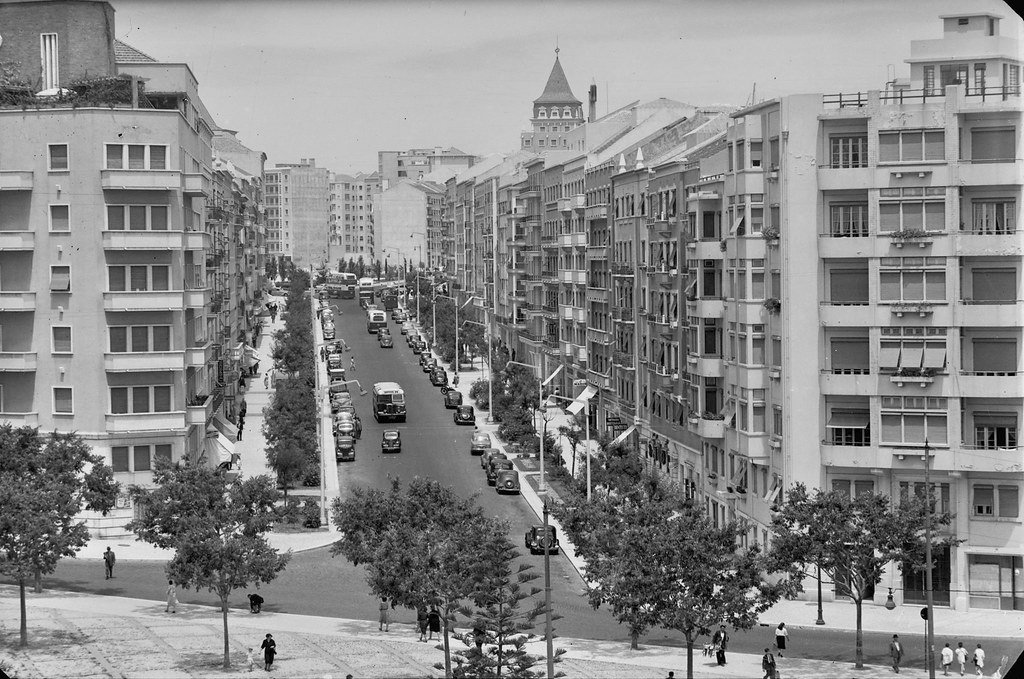 Av. de Guerra Junqueiro, Lisboa (A. Passaporte, 195...)