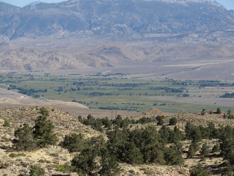歐文斯谷,美國加利福尼亞州東部歐文斯河的干旱河谷。圖片來源:Ken Lund(CC BY-SA 2.0)