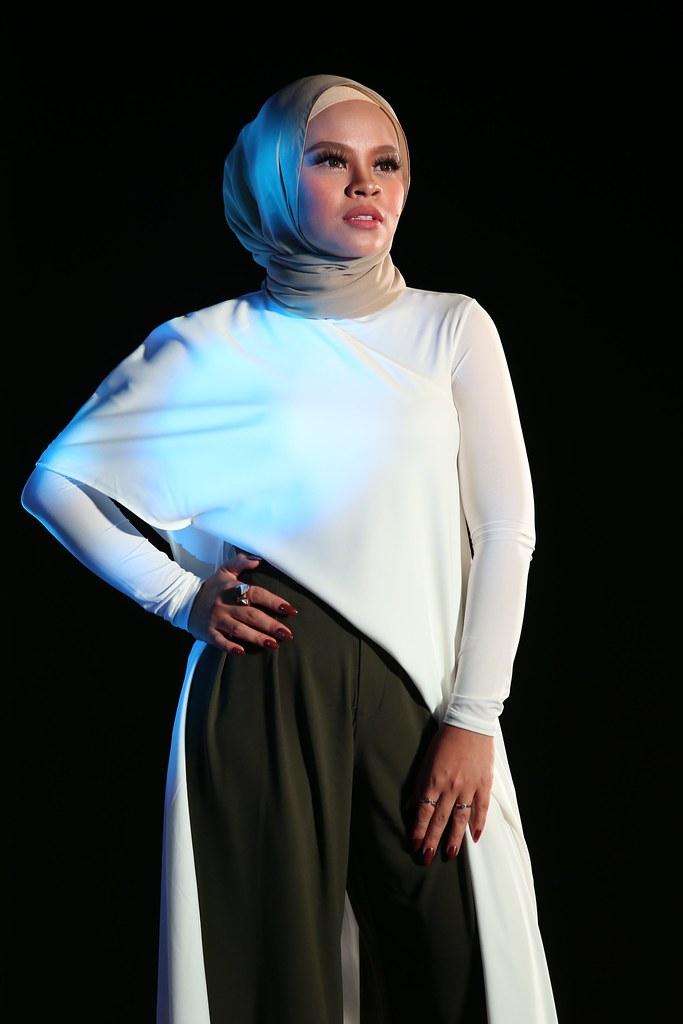 Finalis Ajl33 - Siti Sarah, Lagu Semakin