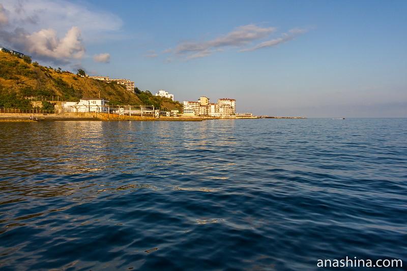 Застройка берега Большой Ялты, Крым