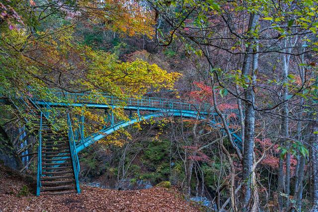 鉄橋を進み用木沢へ