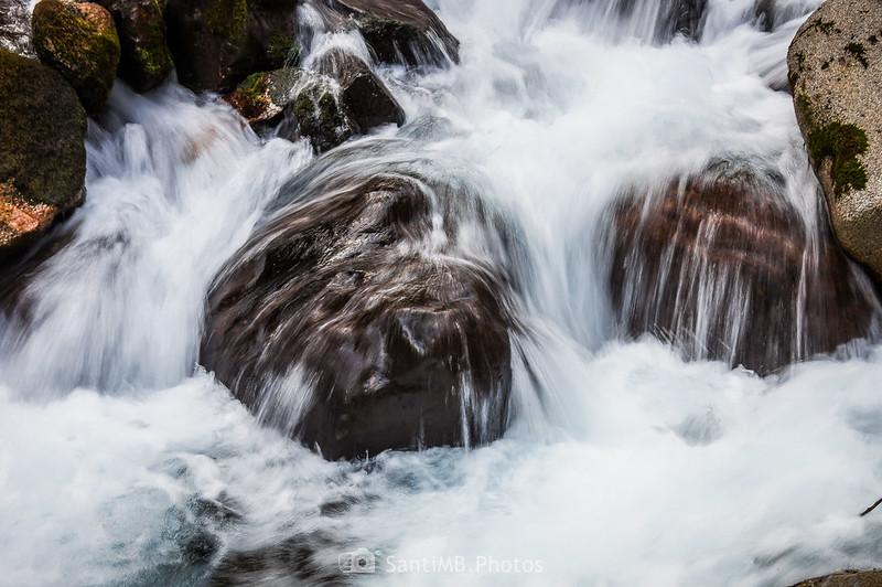 Detalle de la cascada de los Uelhs deth Joèu