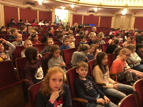 Theater Besuch 2a