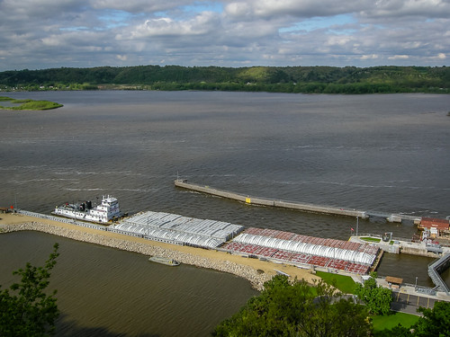 Lock and Dam no. 11, Dubuque, IA (US Army Corps of Engineers)