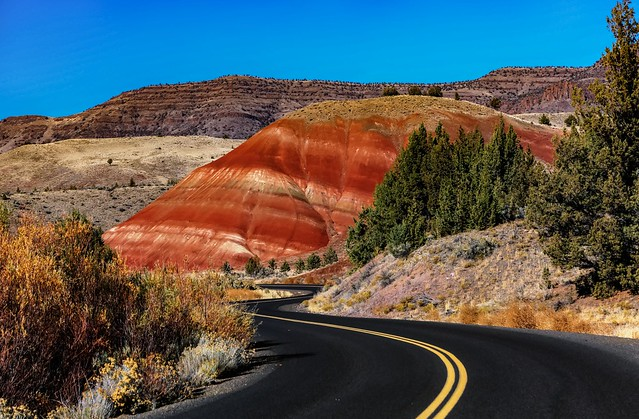 Road to Painted Hills