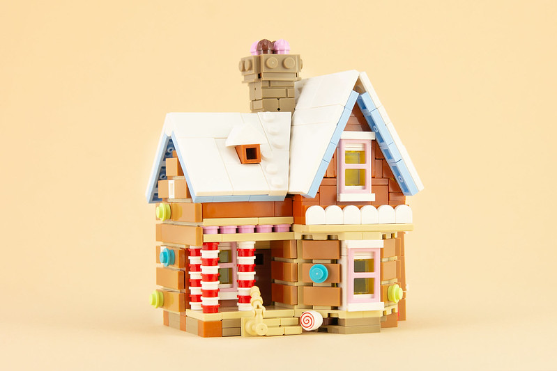 MOC natalizie - Gingerbread Up House