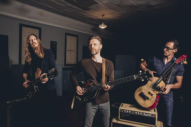 The Wood Brothers - alysse-gafkjen-2