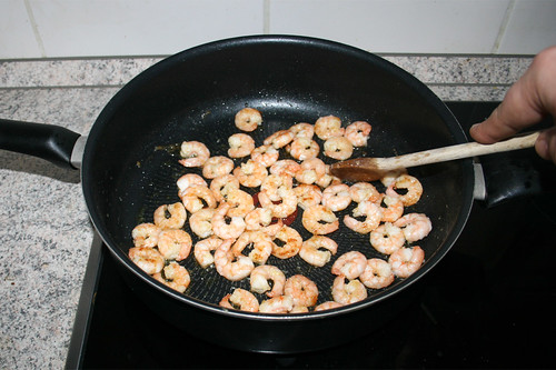 15 - Shrimps goldbraun anbraten / Fry shrimps golden brown
