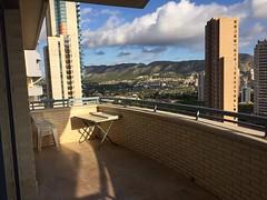 Fabulosas vistas despejadas y muy soleado. Todo Exterior.  Solicite más información a su inmobiliaria de confianza en Benidorm  www.inmobiliariabenidorm.com
