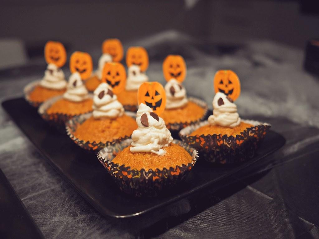 halloween tarjoiluvinkit kummitusmuffinsit