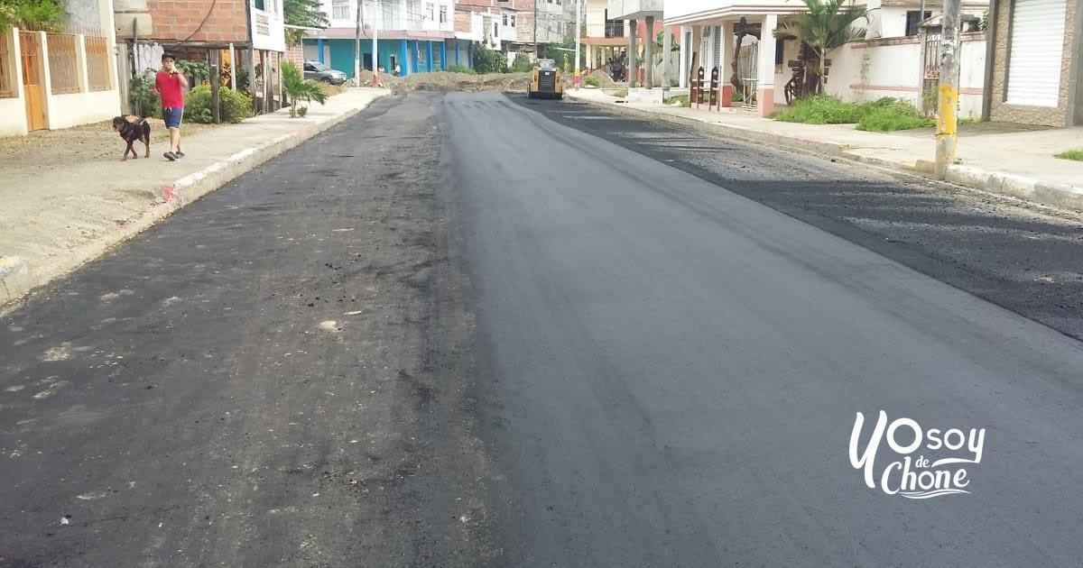 Calle Salinas fue asfaltada