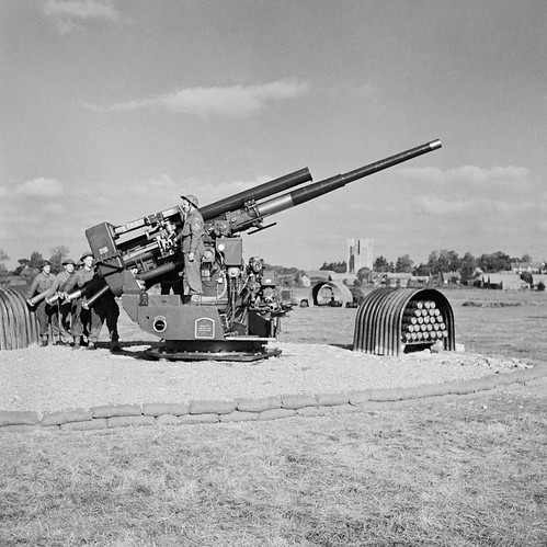 A static 3.7-inch gun assigned to the 127th Heavy Anti-Aircraft Regiment, mounted on a Pyle platform at Orford, Suffolk, October 1944.