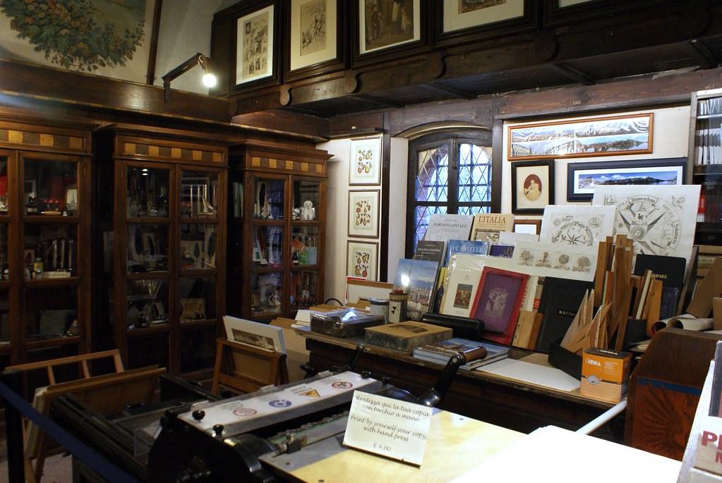 Agréable librairie du Borgo Medievale de Turin.