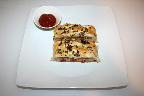 25 - Hotdog Roll - Served / Hotdog-Zopf - Serviert