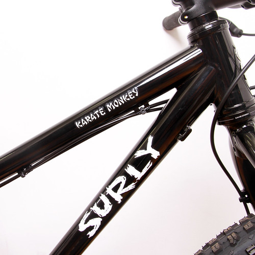 Surly / Karate Monkey 27.5+ / Black
