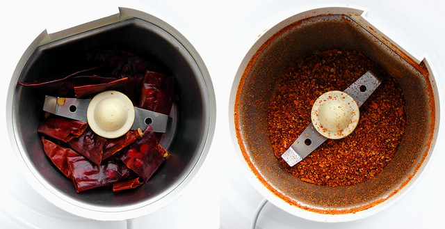 Chilipepers malen tot chilipoeder