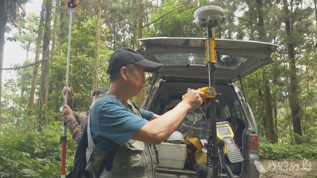 985-2-3 (2)林務局在丹大林道設置二十四小時管制站,加上運用高科技器材與配合檢警巡查、嚴密防範。