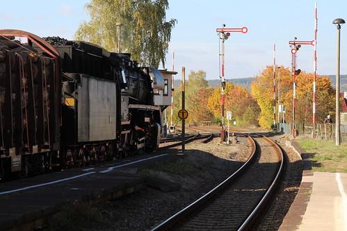 2018-10-20; 0150. ZL ETB 44 1486-8  en SL IGE Werrabahn 52 1360-8 met GZ 404. Immelborn. Plandampf im Werratal, Dampffinale.