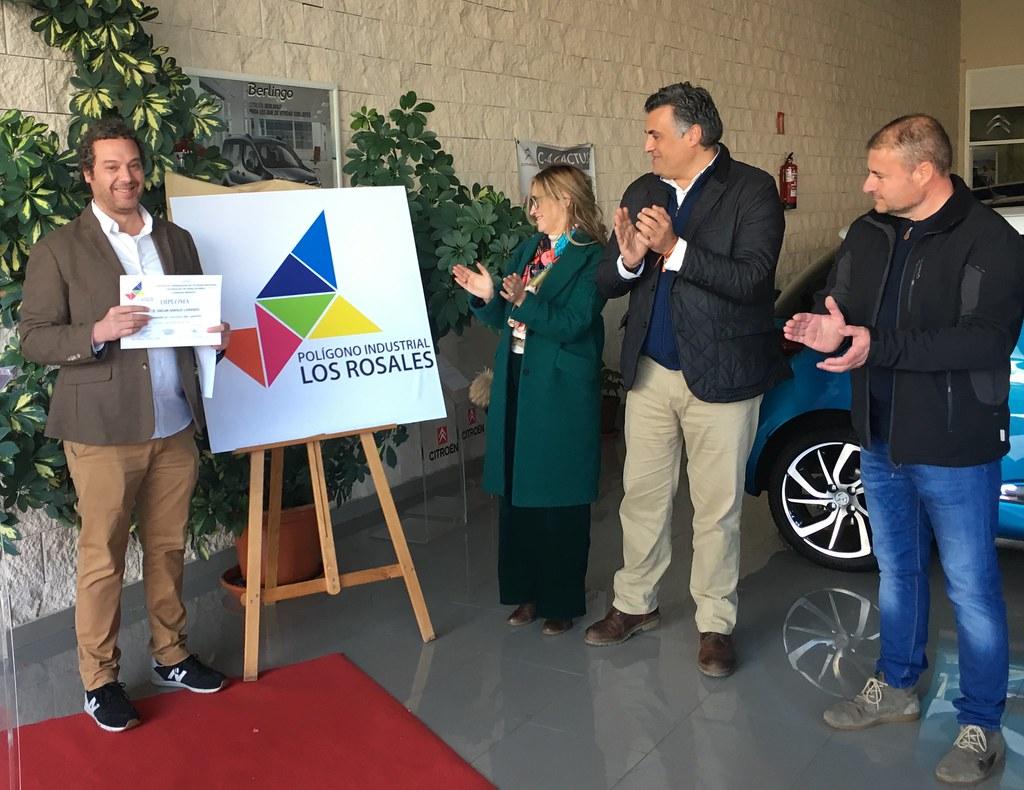 """Oscar Ajenjo Lorenzo se lleva el premio al Logotipo del Polígono Industrial """"LOS ROSALES"""""""