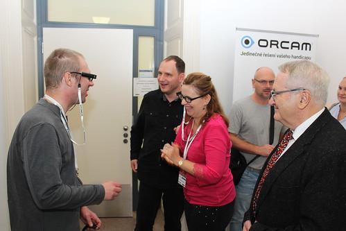 Zkoušení Orcam MyEye v interiéru