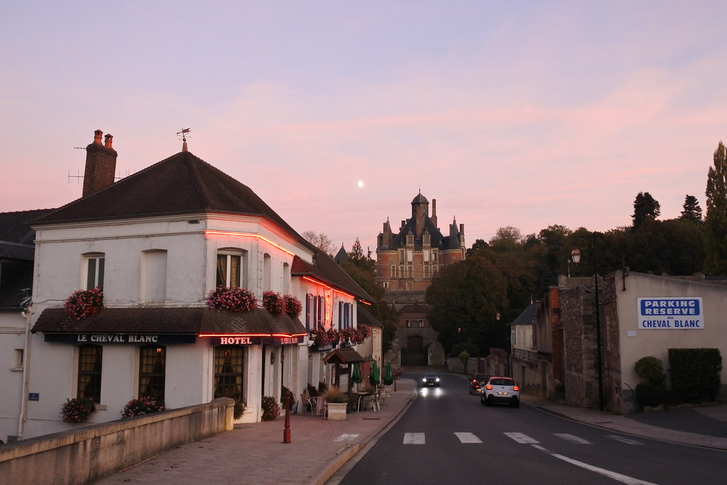 Montmart Lucy
