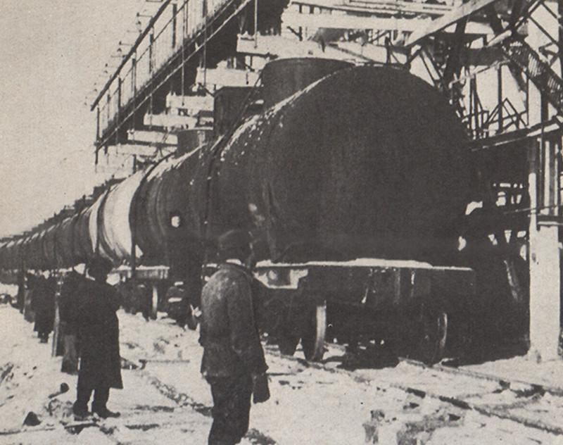 3 27 декабря – на подъездные пути Полоцкого НПЗ прибыл первый эшелон с башкирской нефтью.