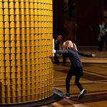 13 novembre 2018 - Pour ouvrir le festival et à l'occasion de la Nuit Blanche 2018, le Palais de la Porte Dorée présente une installation inédite en France, L'expérience de l'ordinaire, un nouveau chapitre de l'oeuvre évolutive de Benjamin Loyauté, commande de Rubis Mécénat cultural fund.  Photo : Anne Volery © Palais de la Porte Dorée