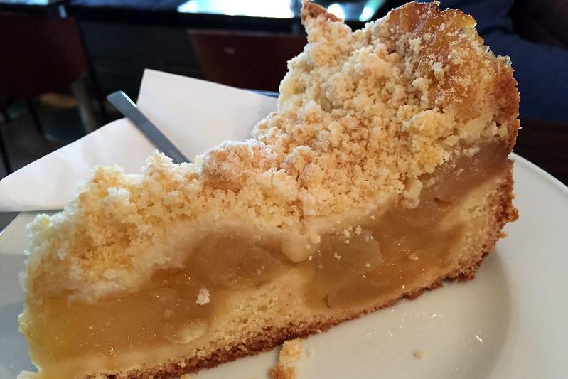 Apfelstreusel cake