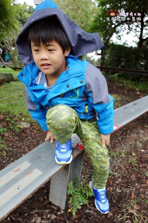 FILA 兒童氣墊慢跑鞋 足弓支撐鞋墊 (24)
