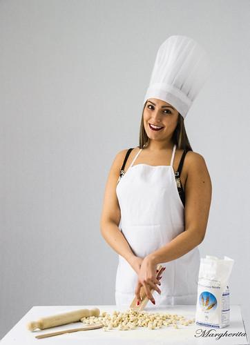 E' una storia d'amore la cucina. Bisogna innamorarsi dei prodotti e poi delle persone che li cucinano. (Alain Ducasse)