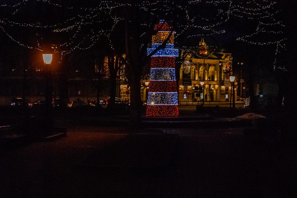 Beautiful lights, beautiful night capture. 16:23:10 DSC_1741