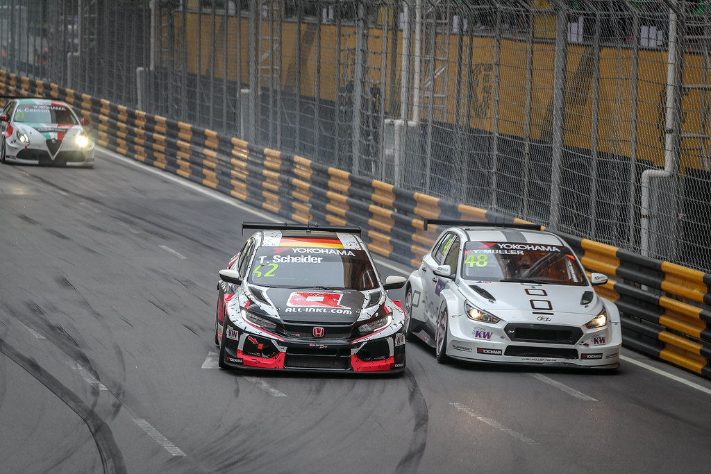 42 SCHEIDER Timo (aut), Honda Civic TCR team ALL-INKL.COM Munnich Motorsport, action, 48 MULLER Yvan, (fra), Hyundai i30 N TCR team Yvan Muller Racing, action during the 2018 FIA WTCR World Touring Car cup of Macau, Circuito da Guia, from november  15 to 18 - Photo Alexandre Guillaumot / DPPI