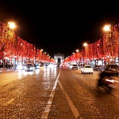 Les Champs Élysées before chaos