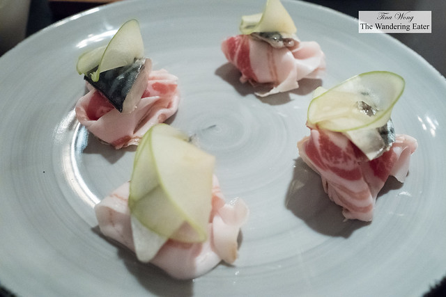Sgombro (Pancetta with marinated mackerel and green apple)