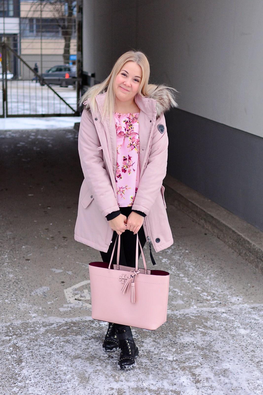 asu_vaaleanpunainen_4