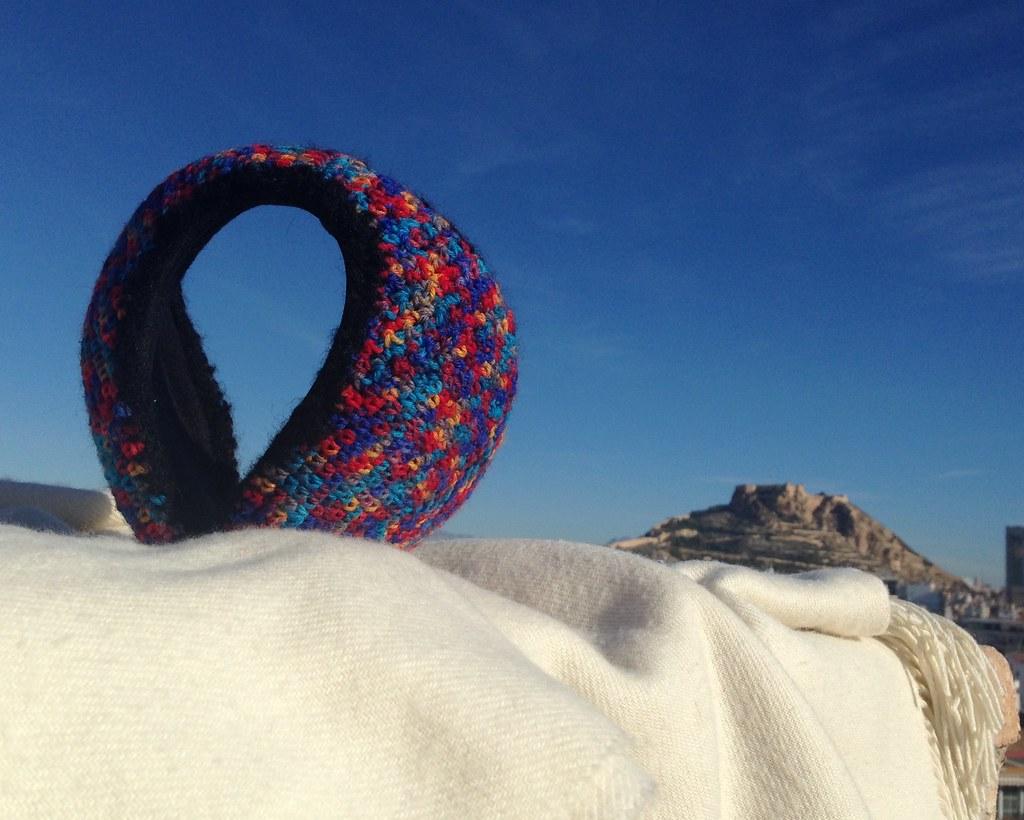 Orejeras tejidas en lana multicolor