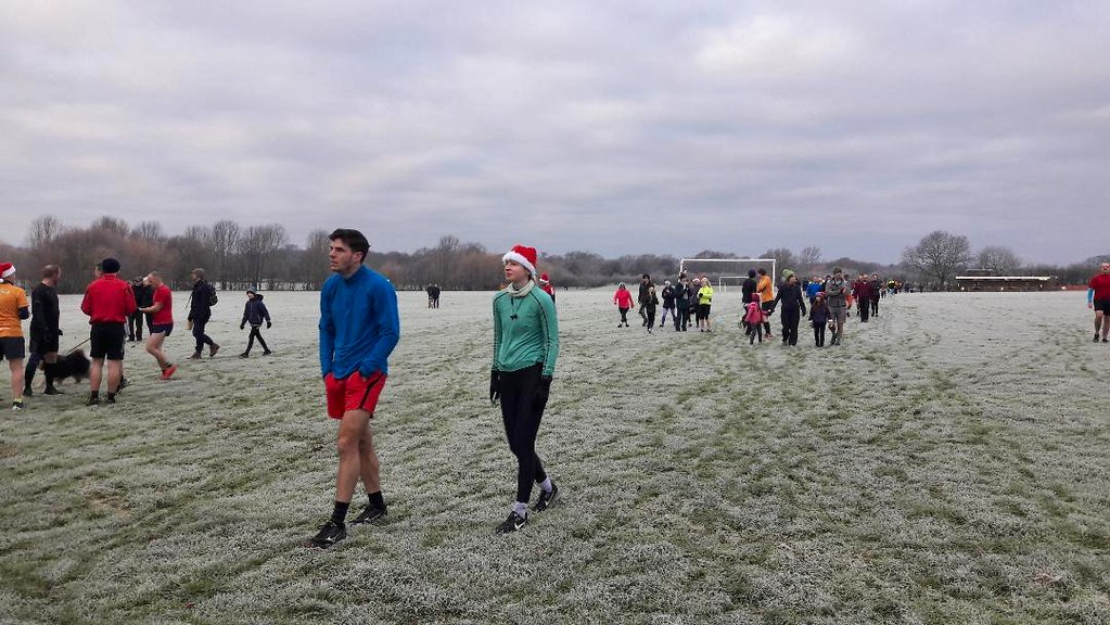 Christmas Parkrun.Bromley Parkrun Christmas Day 2018 Runners Make Their Way