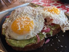 Avocado Toast w/Eggs