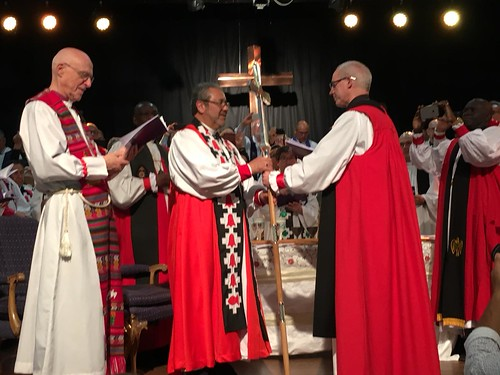 Archbishop of Canterbury Justin Welby presnts a primatial cross to Archbishop Hector - Tito - Zavala Munoz as he becomes the first Primate of the Iglesia Anglicana de Chile